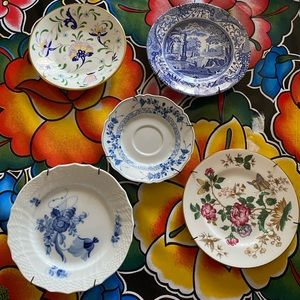 Lot of 5 vintage decorative plates